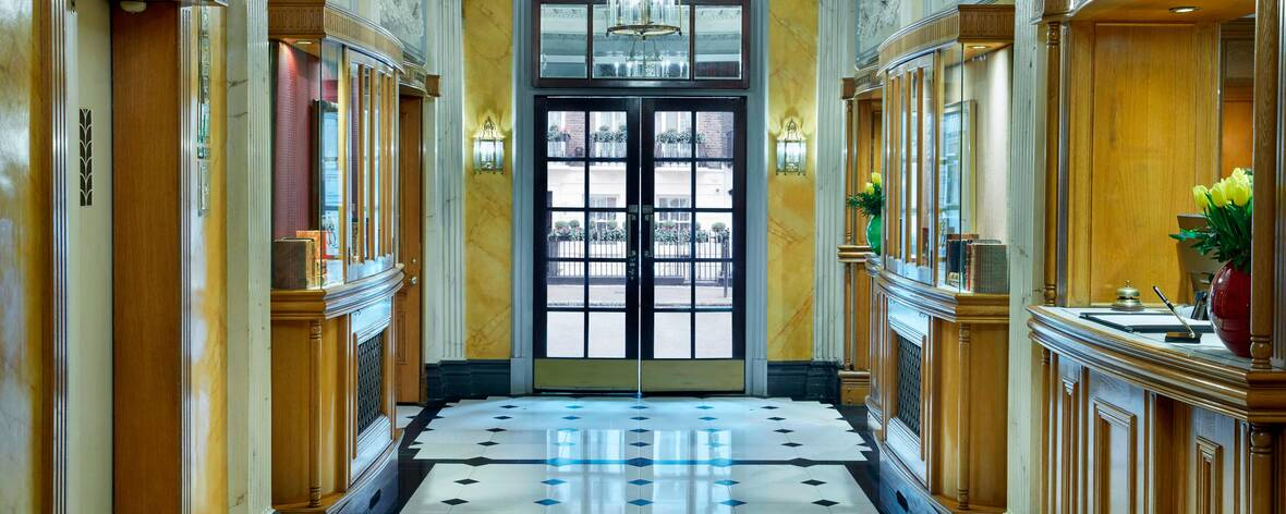 lonql-grand-residences-mayfair-london-suite.jpg-lobby