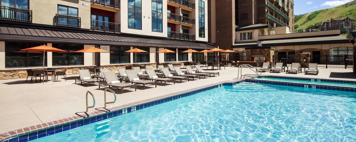 SheratonSteamboatResortVillas-sbsis-outdoor-pool